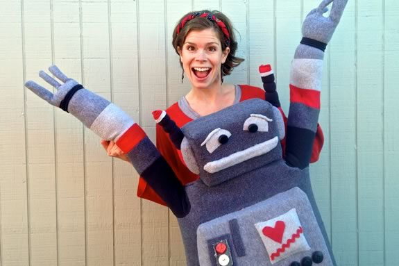 Come enjoy a Lindsay and Her Giant Puppets at TOHP Burnham Public Library in Essex Massachusetts!