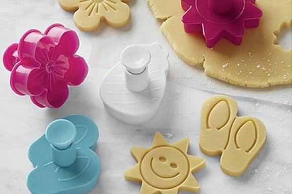 Kids will bake beach worthy cookies at this Williams Sonoma Workshop for kids ages 8-13.