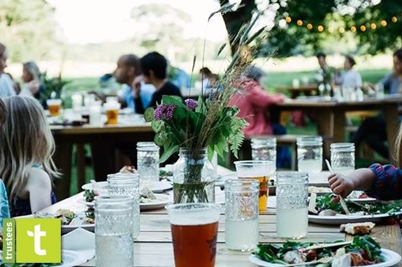 Families enjoy dinner on at Appletons Farms with ingredients fresh from the farm!