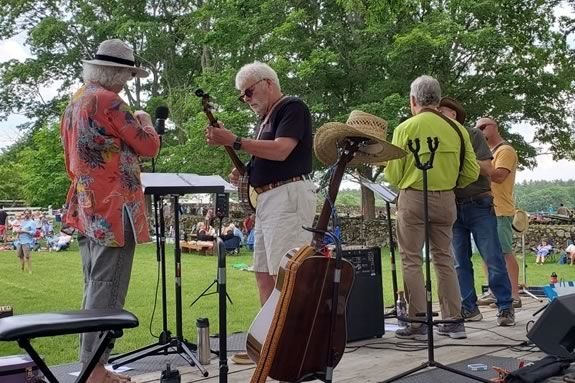 Join the Trustees on Saturdays this summer for live music from local bands during our Farmhouse Wood-Fired.