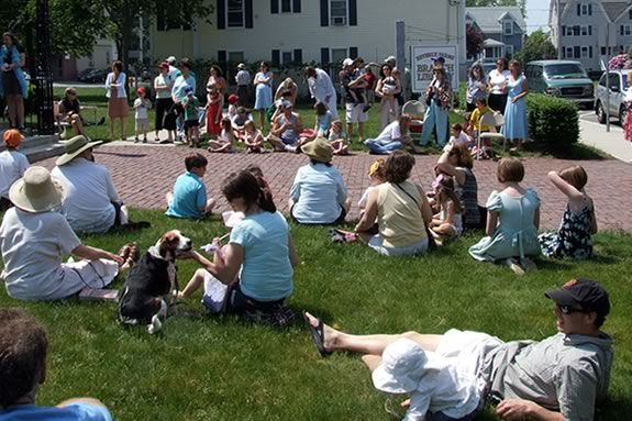 Enjoy an afternoon of family fun and acitivities at the Beverly Farms Library!