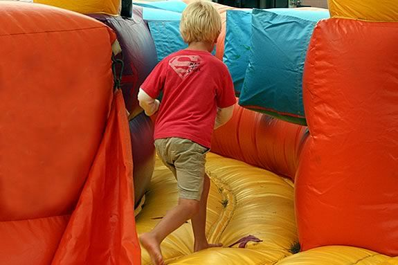 Salem Common will be bouncy houses rides and games for Kids night on the Commons