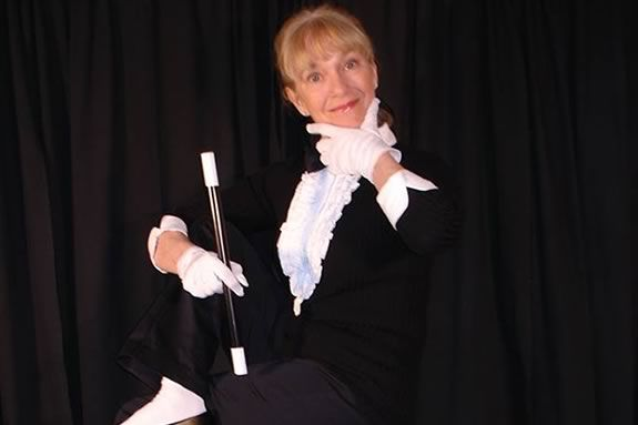 `Debbie O'Carroll brings her magic to Emma Andrews Library in Newburyport