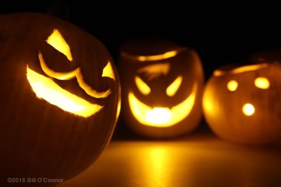 TOHP library in Essex Massachusetts hosts a Halloween Crafternoon!