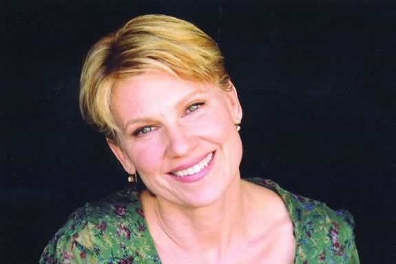 Actor Lindsay Crouse is the Cape Ann Businesswomen's Luncheon keynote speaker in 2019