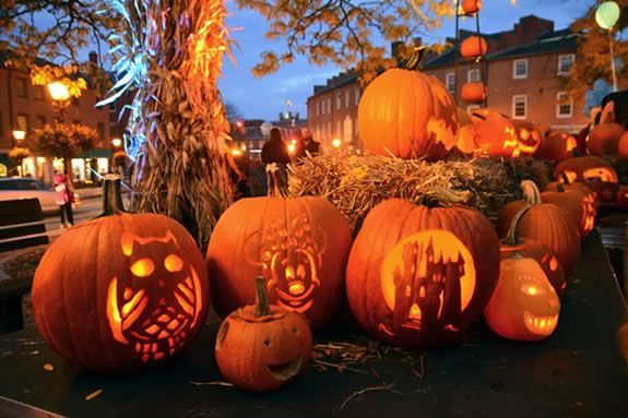 Carve your own pumpkin at the Great Pumpkin Lighting and Stroll in Newburyport.  Bring the whole Family!