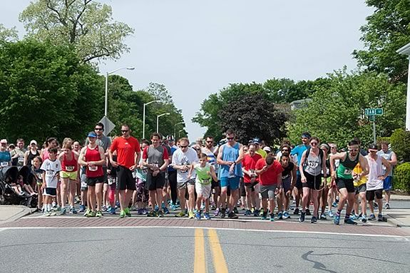 Runners, walkers and kids are invited to particitpate in the Coastal 5k Run/Walk for the Beach