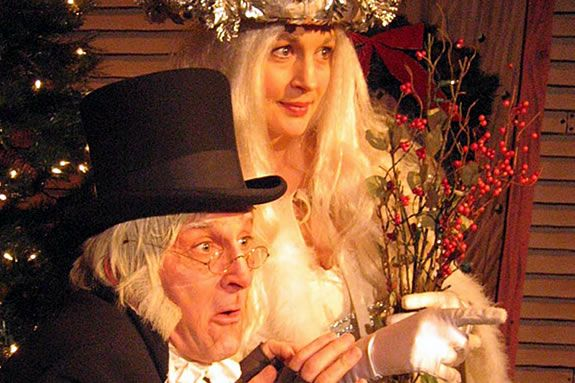 Salem Trolley Christmas Carol, Fun Holiday Events north of Boston, Trolley Ride with Scrooge
