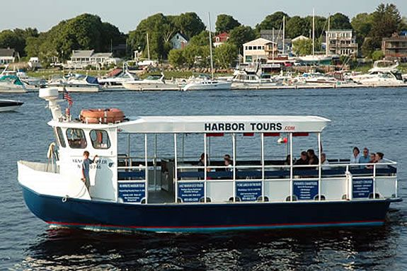 Explore the Merrimack River estuary aboard the Oceanography Ecology Cruise