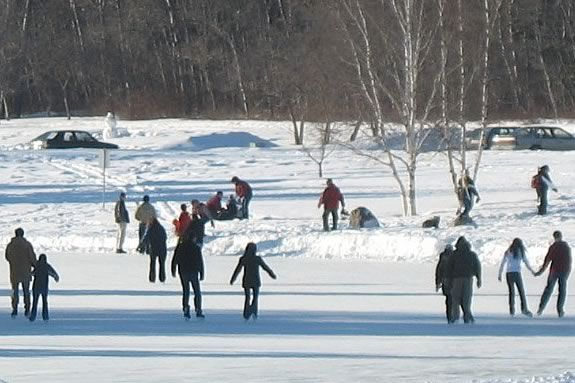 Ice Skating on the North Shore includes ponds, lakes, & indoor and outdoor rinks