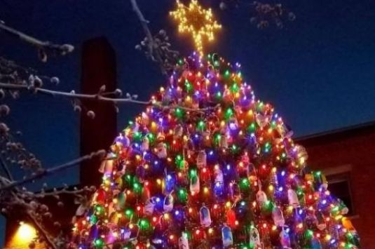 Lobster Trap Tree Lighting Party in at Cape Ann Art Haven in Gloucester Massachusetts